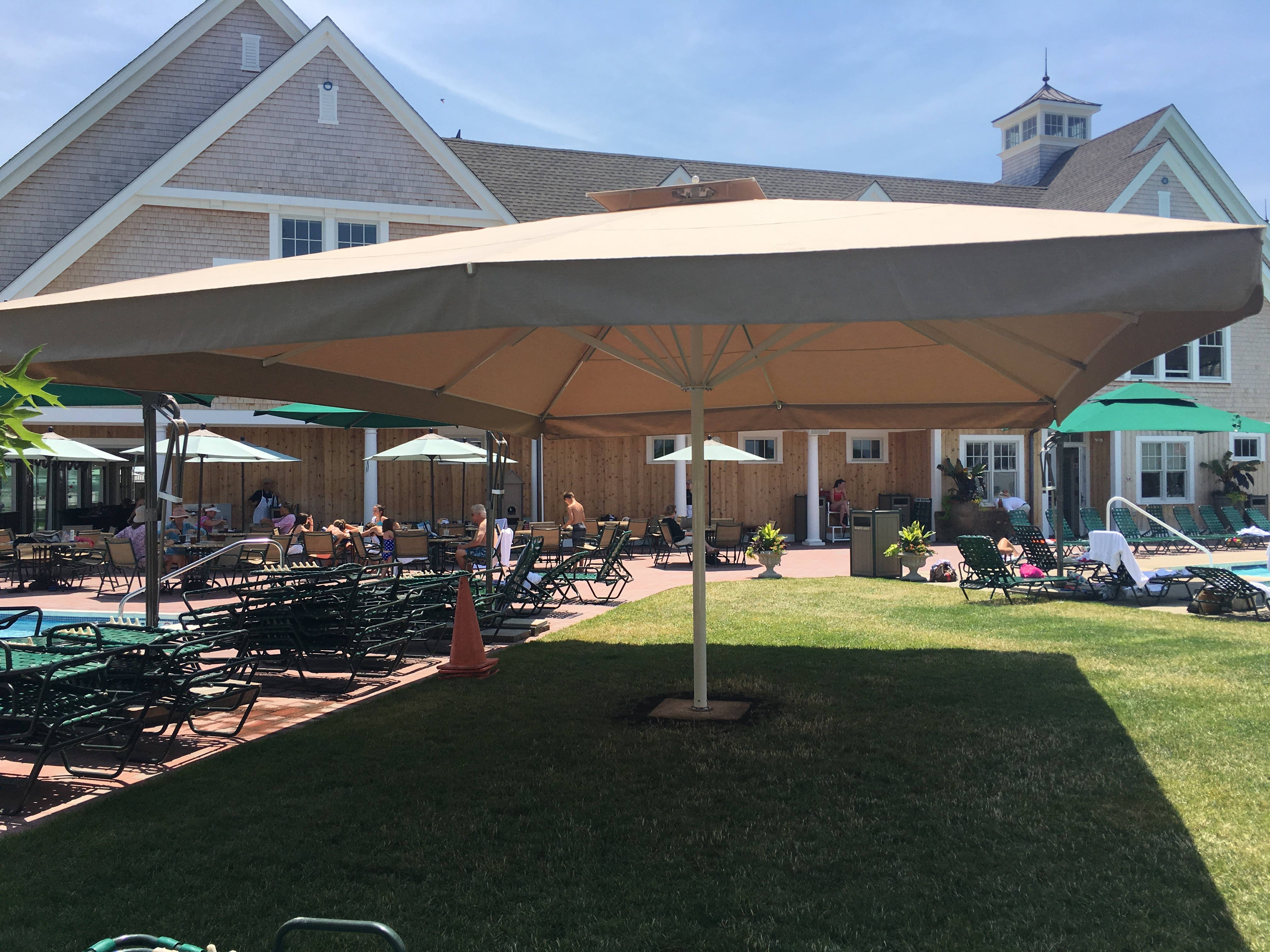 Giant Umbrellas In Ny New York Amp Nj Awning Company
